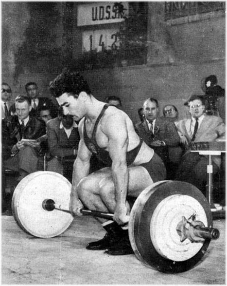 Tchimiskian (U.R.S.S.), Champion du Monde d'haltérophilie Poids Coqs 1954